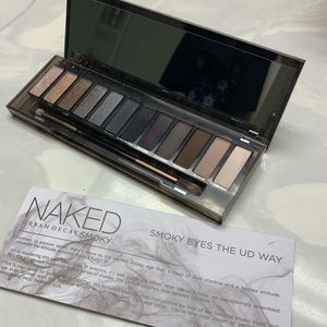 Like New- Urban Decay - Naked Smoky pallet